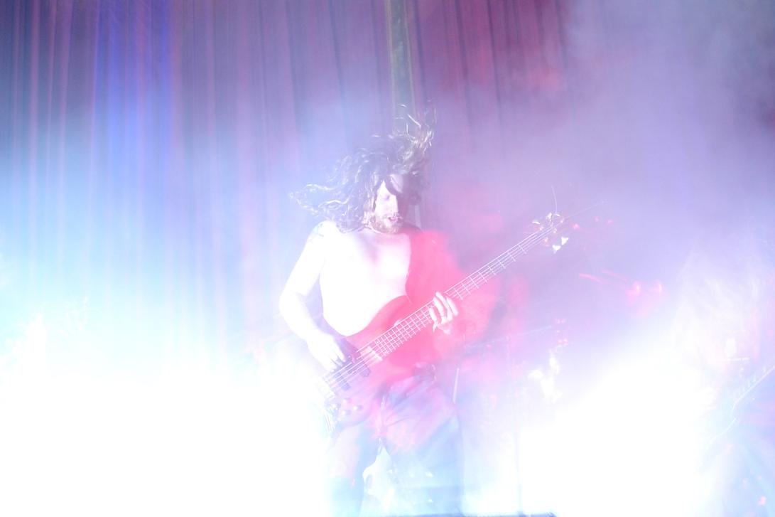 guitarist-smoke