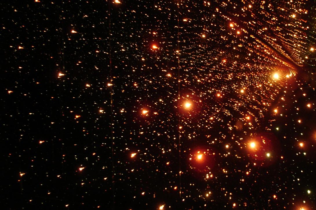 lighting-stars-red