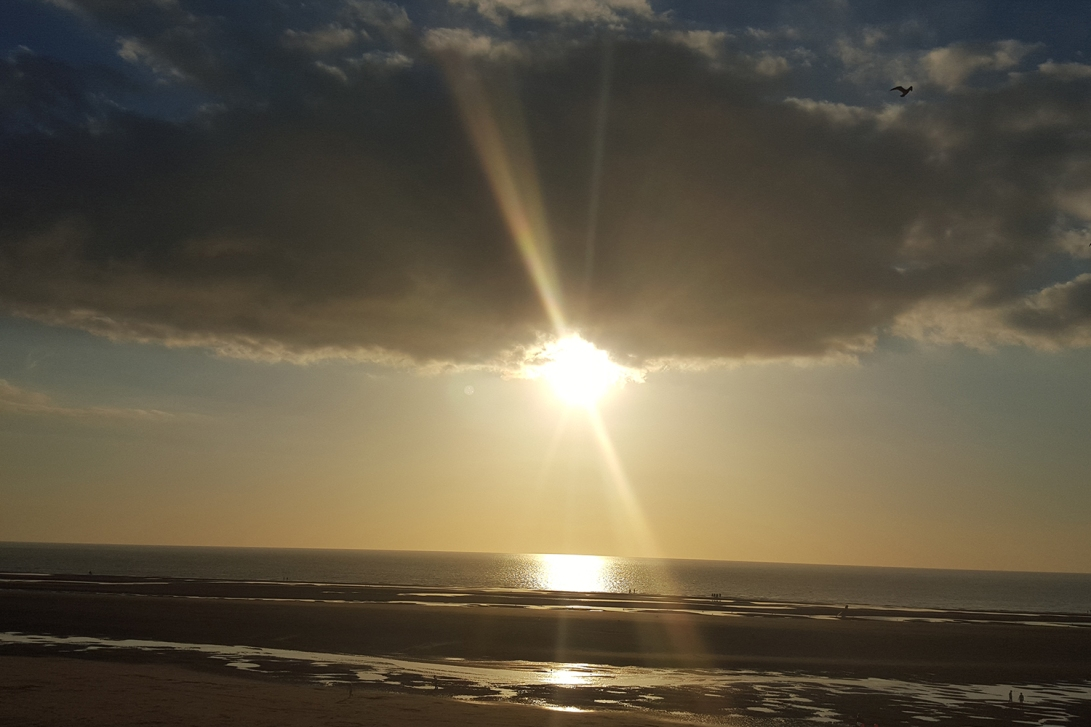 sun-under-clouds